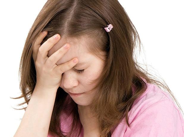 dor de cabeça afeta visão da criança